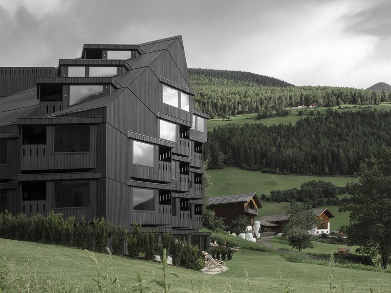 Pedevilla Architects: Hotel Bühelwirt - best architects 19