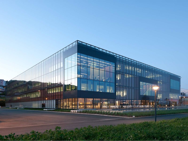 Burckhardt+Partner AG: Philip Morris F&E Zentrum Neuenburg - best architects 12