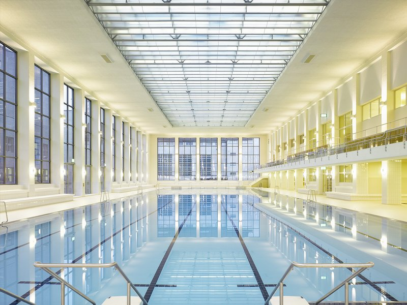 Ernst Niklaus Fausch Architekten: City indoor swimming pool - best architects 16
