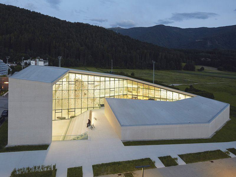 stifter + bachmann: Bruneck Climbing Centre - best architects 17