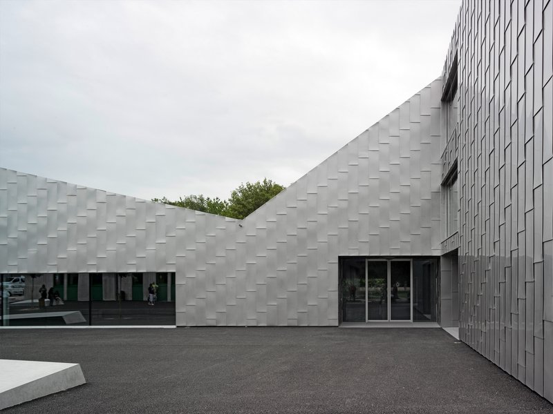 rk studio: Moréchon school centre - best architects 18