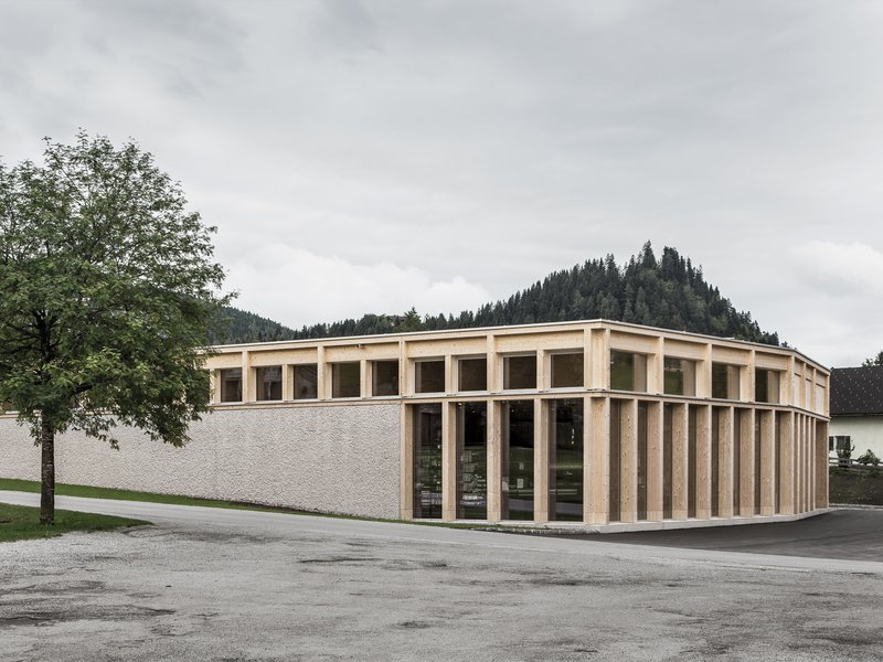 LP architektur: MPREIS St. Martin  - best architects 18 in Gold