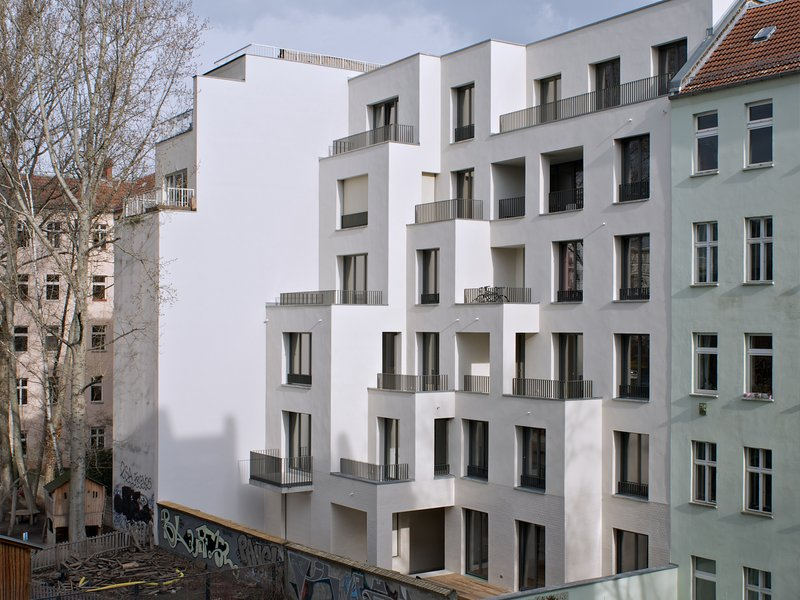 Trutz von Stuckrad Penner: Apartment House Niederbarnimstrasse 9 / Berlin-Friedrichshain - best architects 18 in Gold