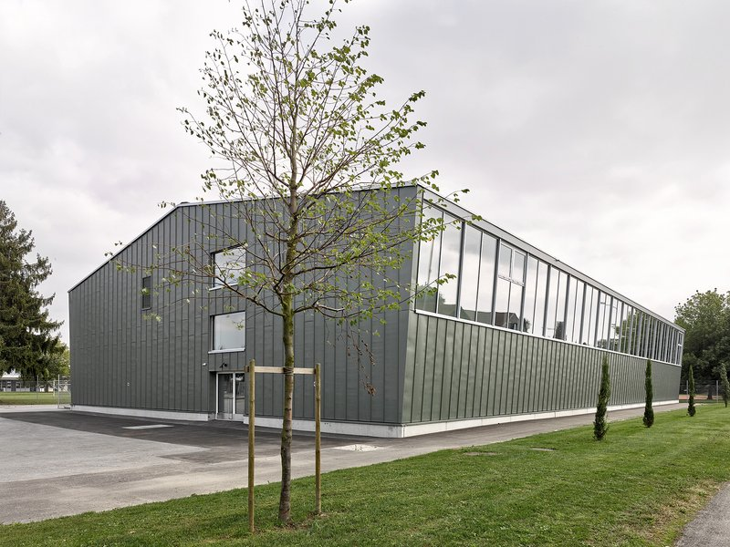 Haller Gut Architekten: Total renovation of the Payerne multi-purpose hall - best architects 20