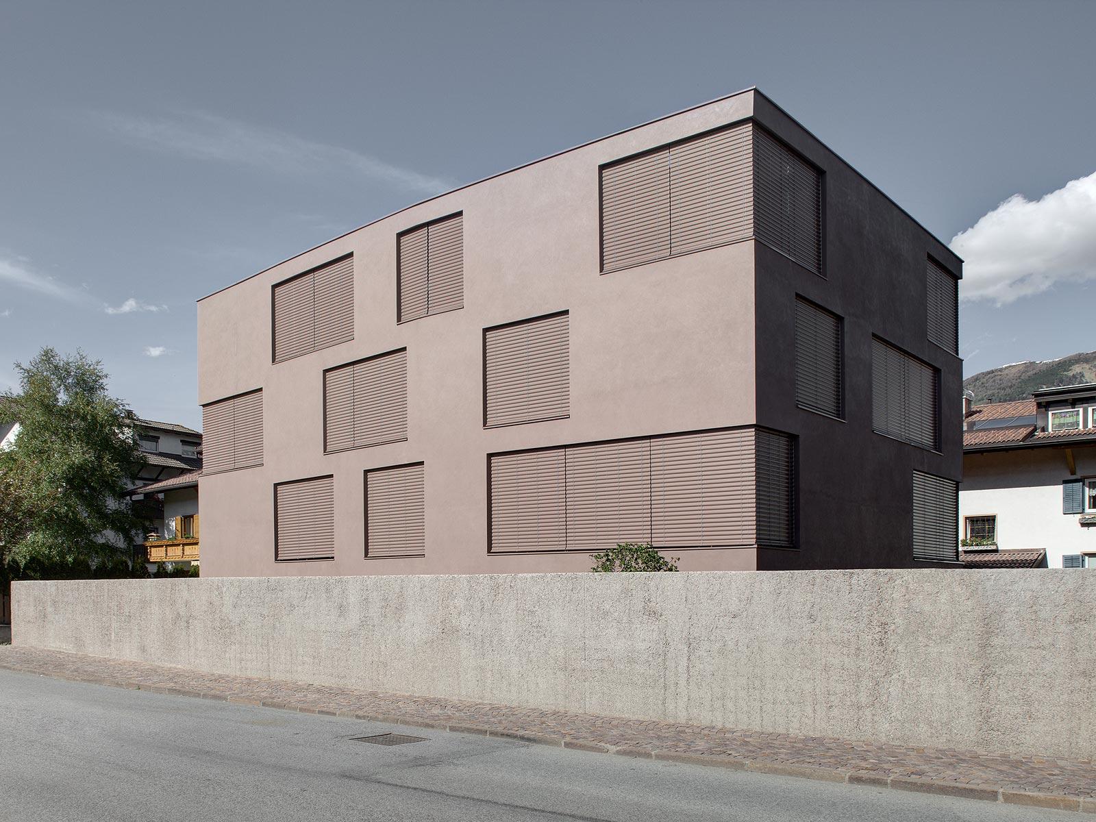 best architects architektur award pedevilla architekten pedevilla architekten wohnhaus. Black Bedroom Furniture Sets. Home Design Ideas