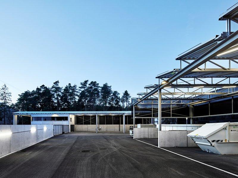 vautz mang architekten: Wertstoffhof Morgenstelle - best architects 21