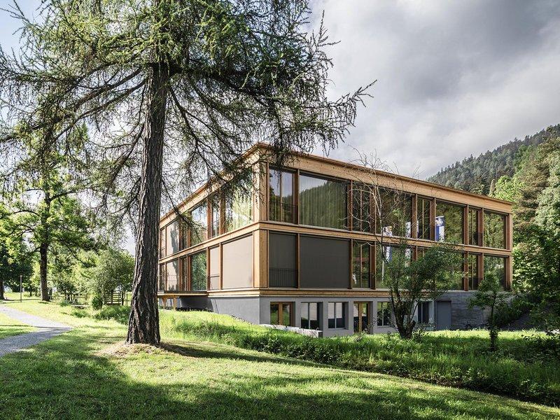Albertin Partner Architekten: Gesamtsanierung Haus 8 – Klinik Beverin - best architects 21
