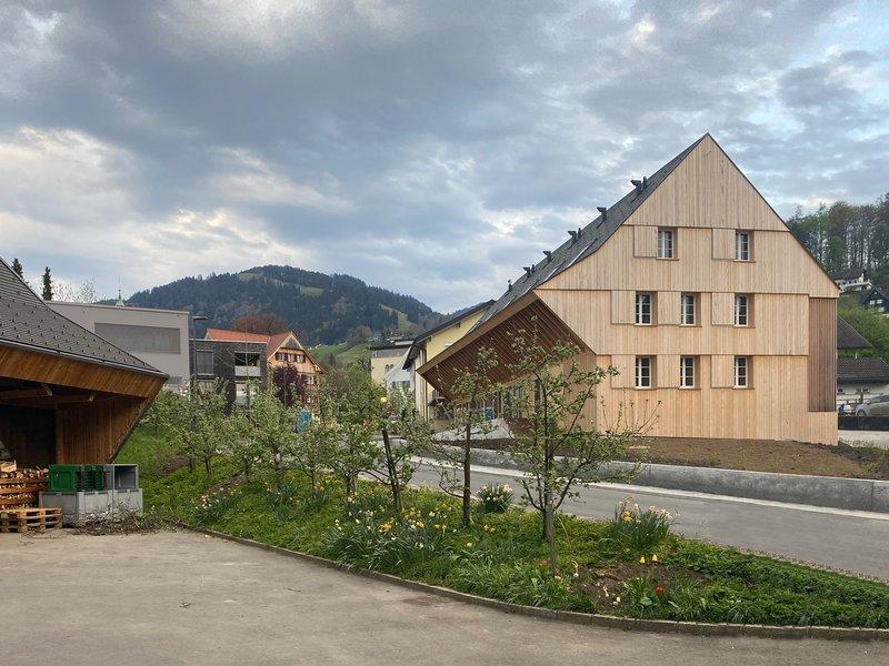 Ludescher + Lutz Architekten : Ernas Haus – Studentenwohnungen oder Micro-Living am Winderhof  - best architects 21
